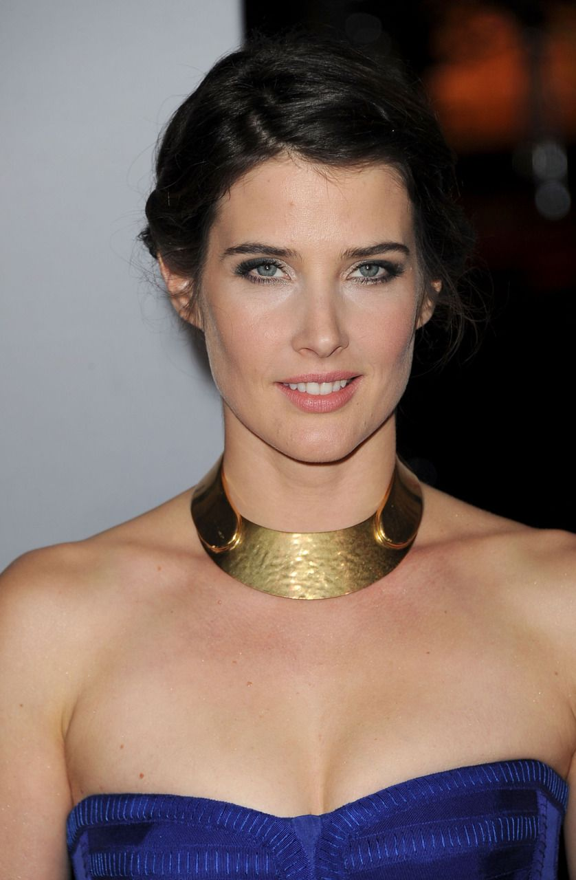 Cobie Smulders at the 38th People's Choice Awards, Los Angeles (11