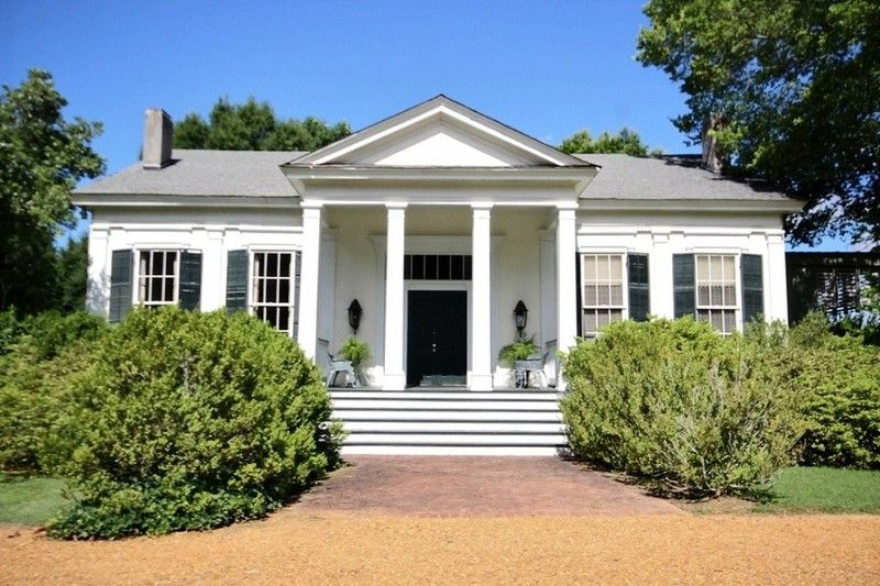 1850 Planter S Cottage Historic Hedge Farm In Red Banks Mississippi Greek Revival Home Old Houses For Sale Maine House
