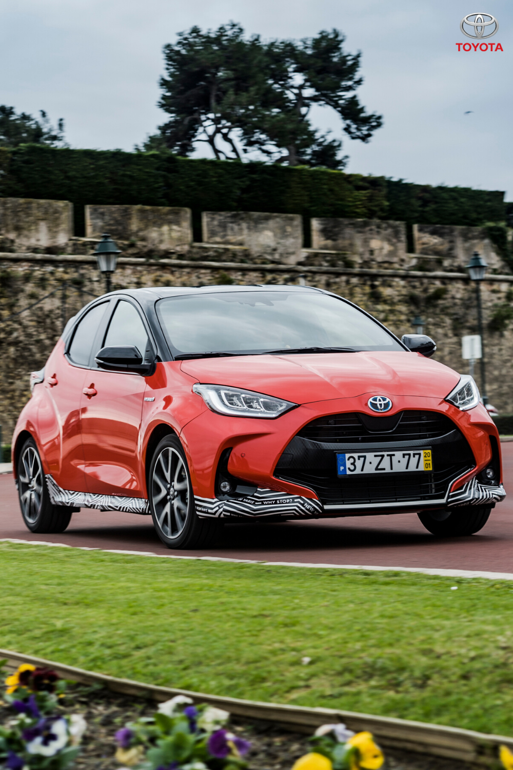 With a new 1.5 litre petrol engine and enhanced 4th gen hybrid system the all-new Yaris benefits from engaging performance and outstanding economy. Click to find out more. #Toyota #ToyotaYaris #SmallCar #CompactCar #CityLiving #HybridCar #NewCars