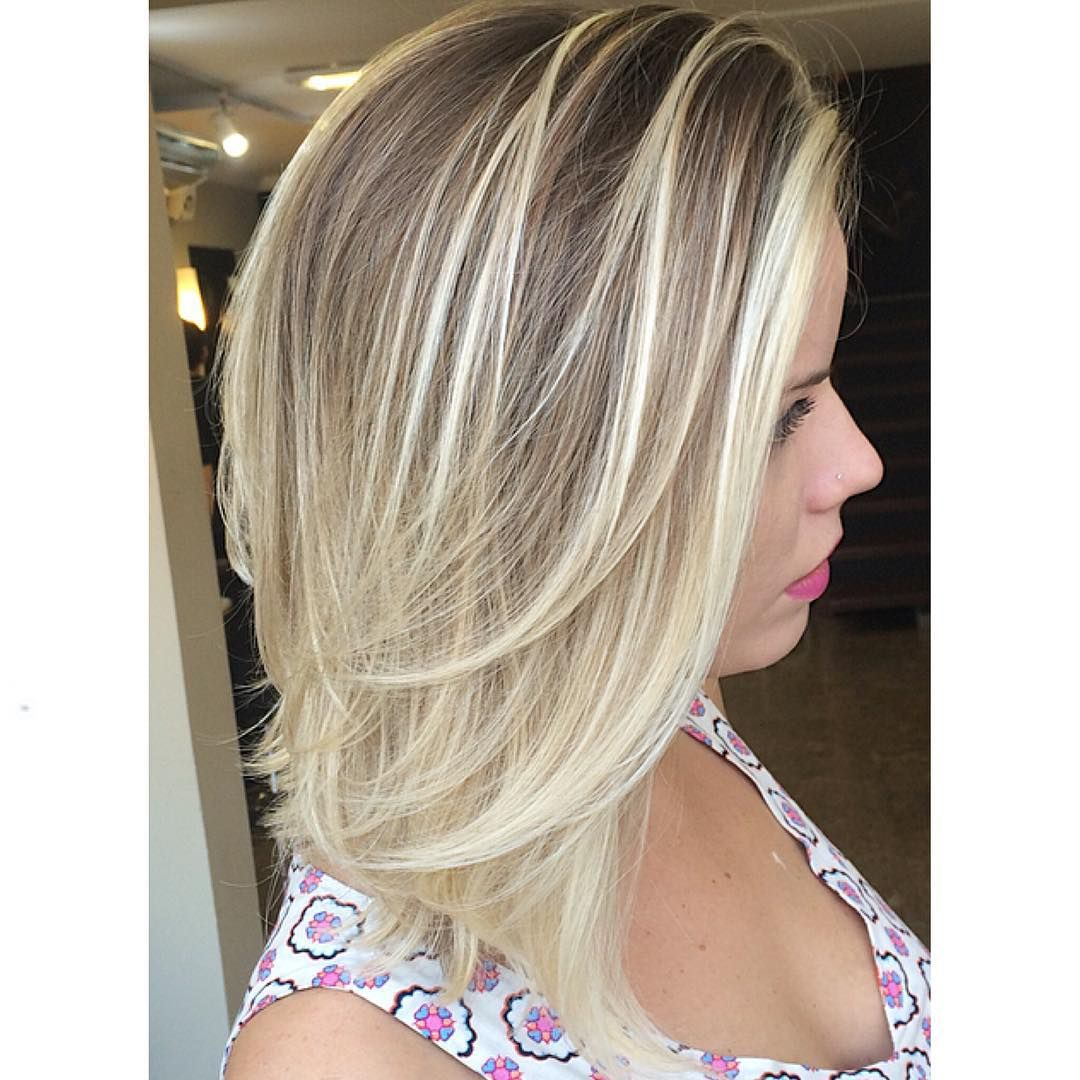 Straight Mid Length Ash Blonde Hair With Layers Medium Layered Haircuts Medium Layered Hair Medium Hair Styles