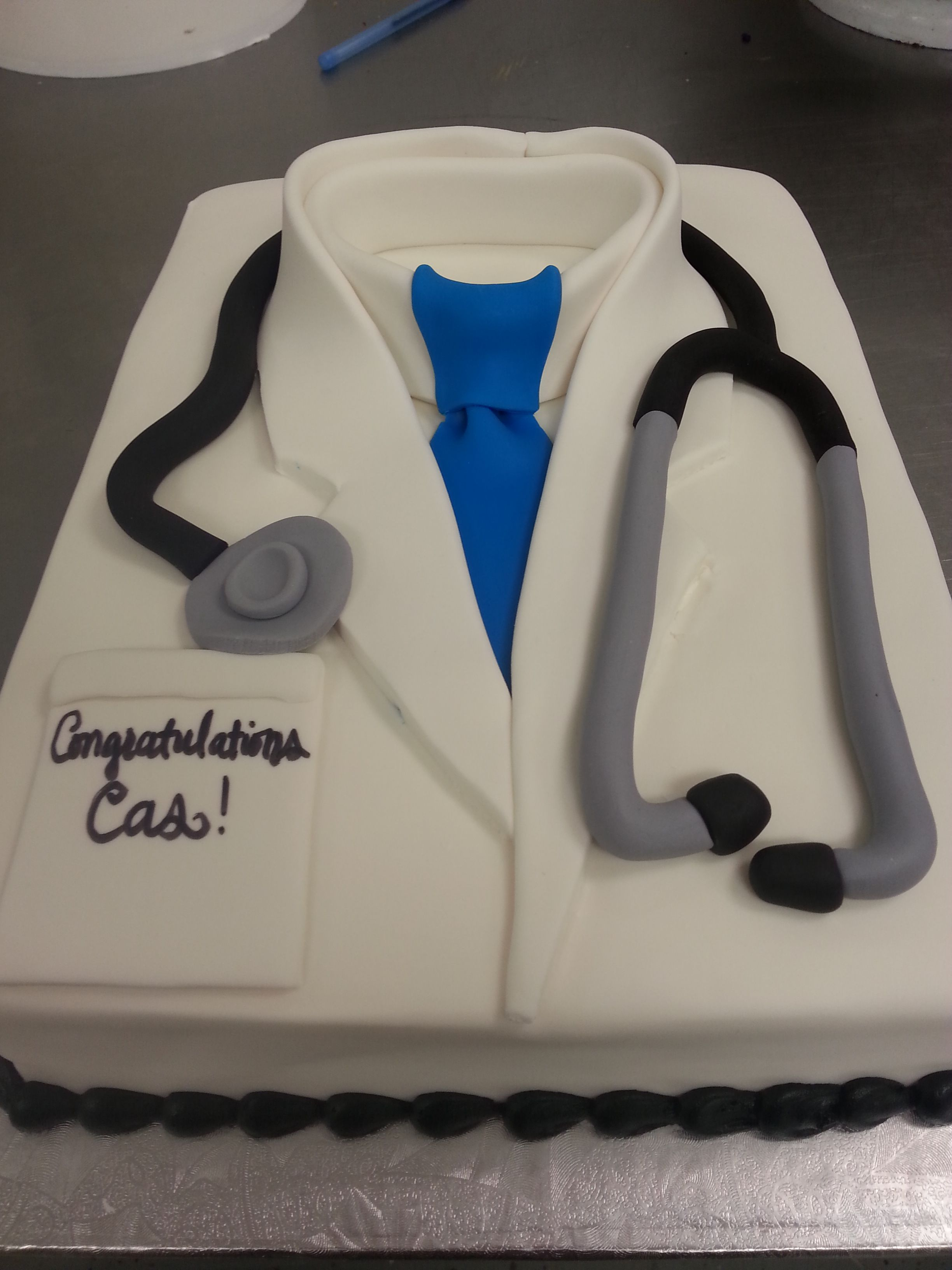 Fondant Doctor S Coat And Stethoscope Cake Cakes I Ve