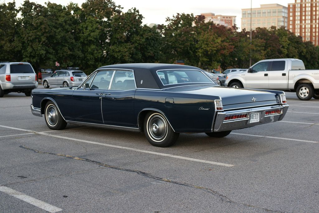 39 69 lincoln continental w suicide doors cars i 39 ll own. Black Bedroom Furniture Sets. Home Design Ideas