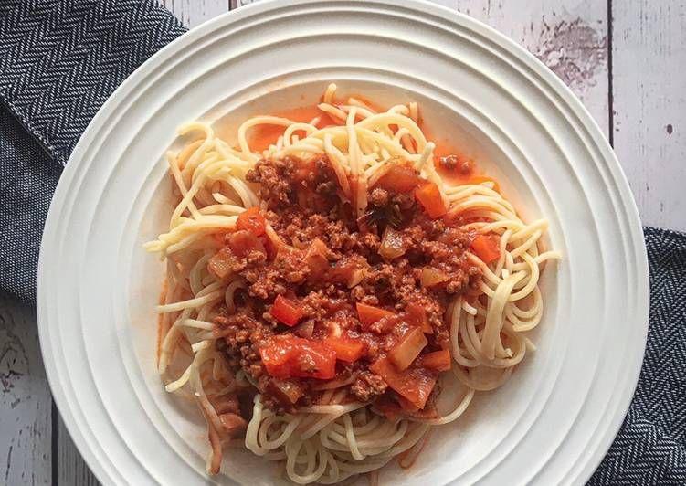 Cara Memasak Spaghetti Bolognese Serba Ringkas Yang Lezat Aneka Resepi Enak Resep Cara Memasak Memasak Spaghetti
