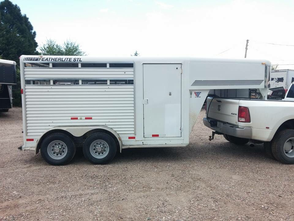 Two horse gooseneck stock with tack room Horse trailers