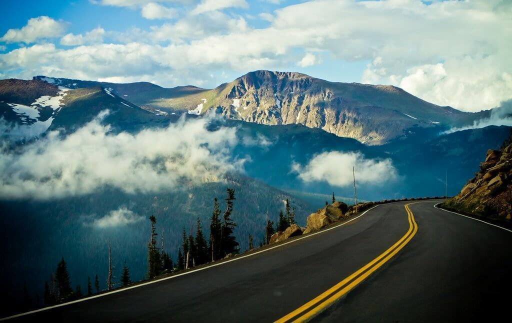 7 road trips every driving enthusiast should take car