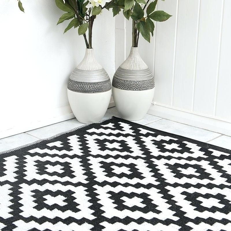New White Outdoor Rug Popular Of Black And White Outdoor Rug Pixel