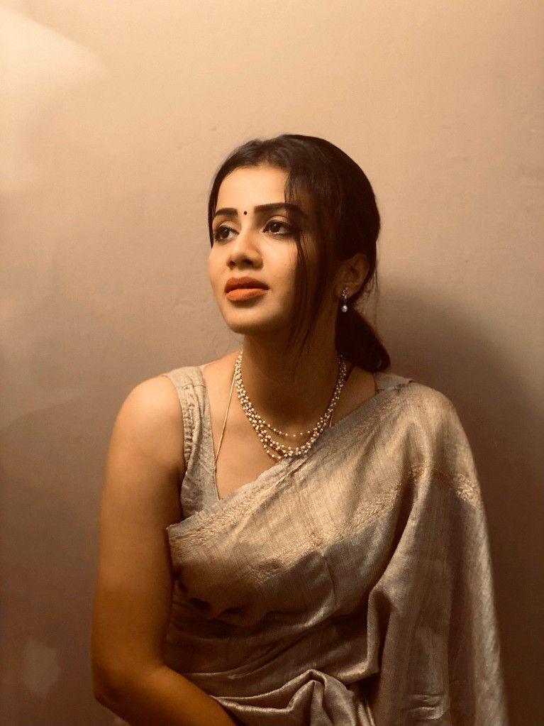 Pin By Sach Mere Yaar Hai Bas Vahi Py On Anjana Rangan In 2020 Beauty Full Girl Beautiful Women Naturally India Beauty Women