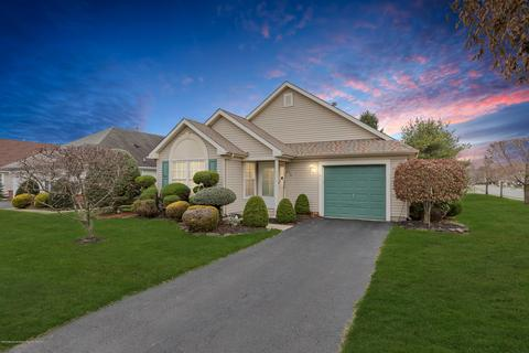 213 Toms River Nj 2 Bedroom Houses For Sale Movoto In 2020
