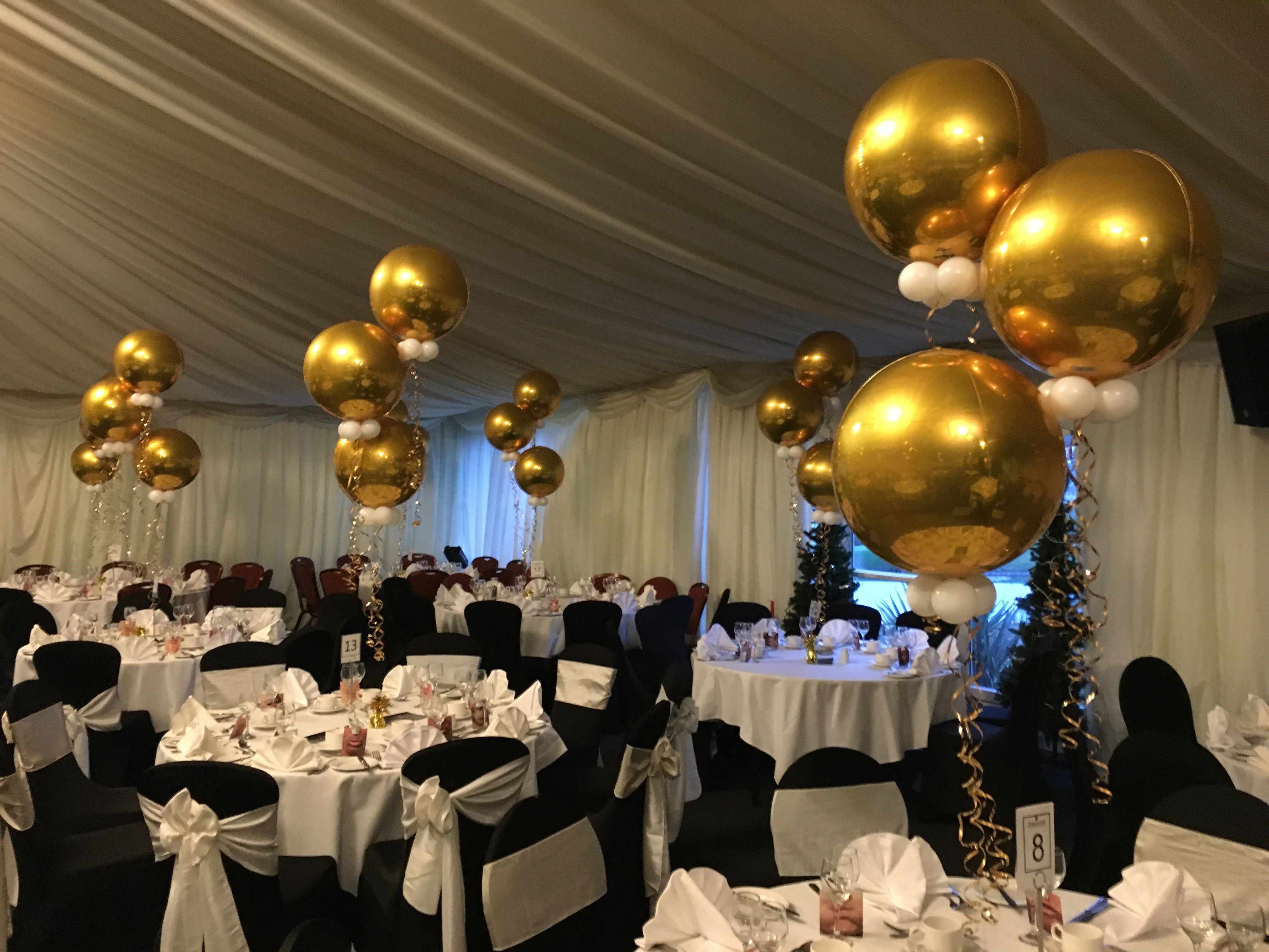 Pin By Sharon Sweeney On Balloons Gold Table Centerpieces Black And Gold Centerpieces Balloon Table Centerpieces