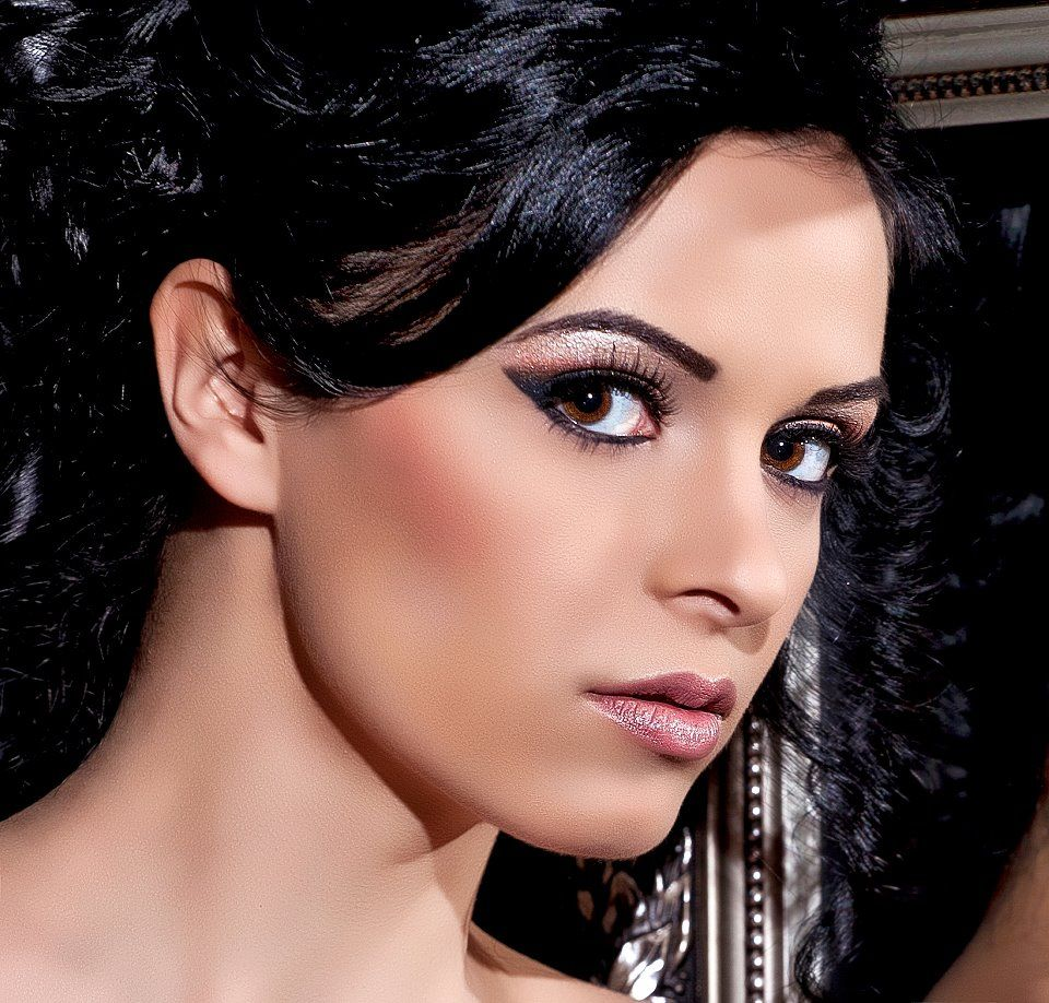 Romanian Makeup Artist Saubhaya Makeup