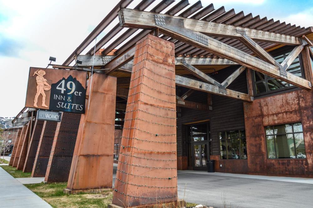 Rustic Metals Gallery Briggs Steel In 2020 Commercial Metal Roofing Rustic Metal Metal Siding