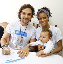 Igor Rickli, Aline Wirley e o filho são embaixadores pioneiros no mundo