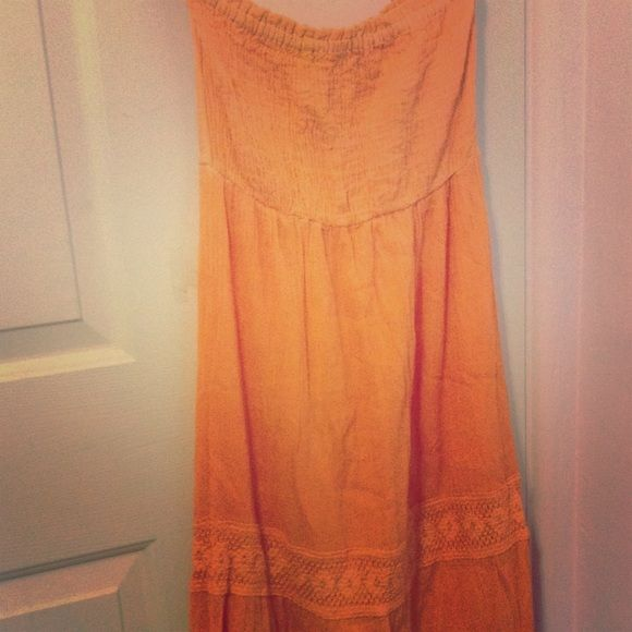Floor Length Sun/Maxi Dress Sunrise (Very light orange top-dark orange bottom.) Sundress/Maxi Dress floor length.                                    100% Cotton. Dresses Maxi