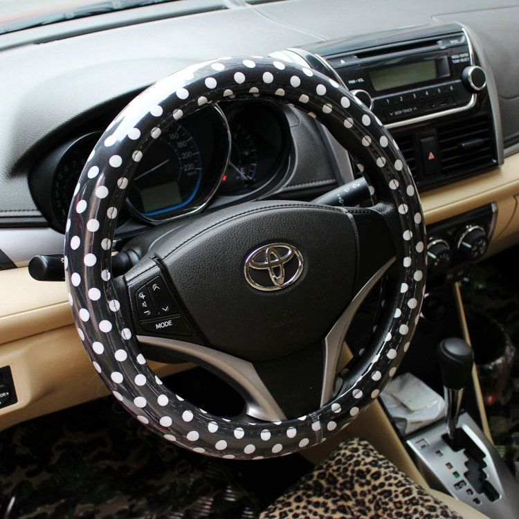 39.26 Calssic Polka Dot Leather Car Steering Wheel Covers