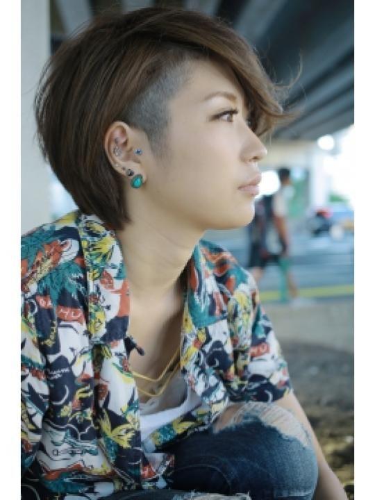 ショート ツーブロック 女のヘアスタイルまとめ。女の子だってツーブロックしちゃいます。サイドのミミ上を刈りなど。よく検索されるキーワードから探すヘア
