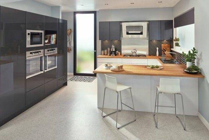 jolie cuisine en u avec barm chaises de cuisine blanches meubles grises