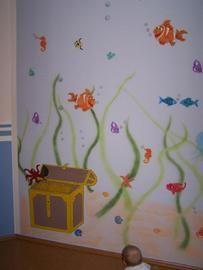 Gemalte unterwasserwelt im kinderzimmer mit fischen und for Aquarium im kinderzimmer
