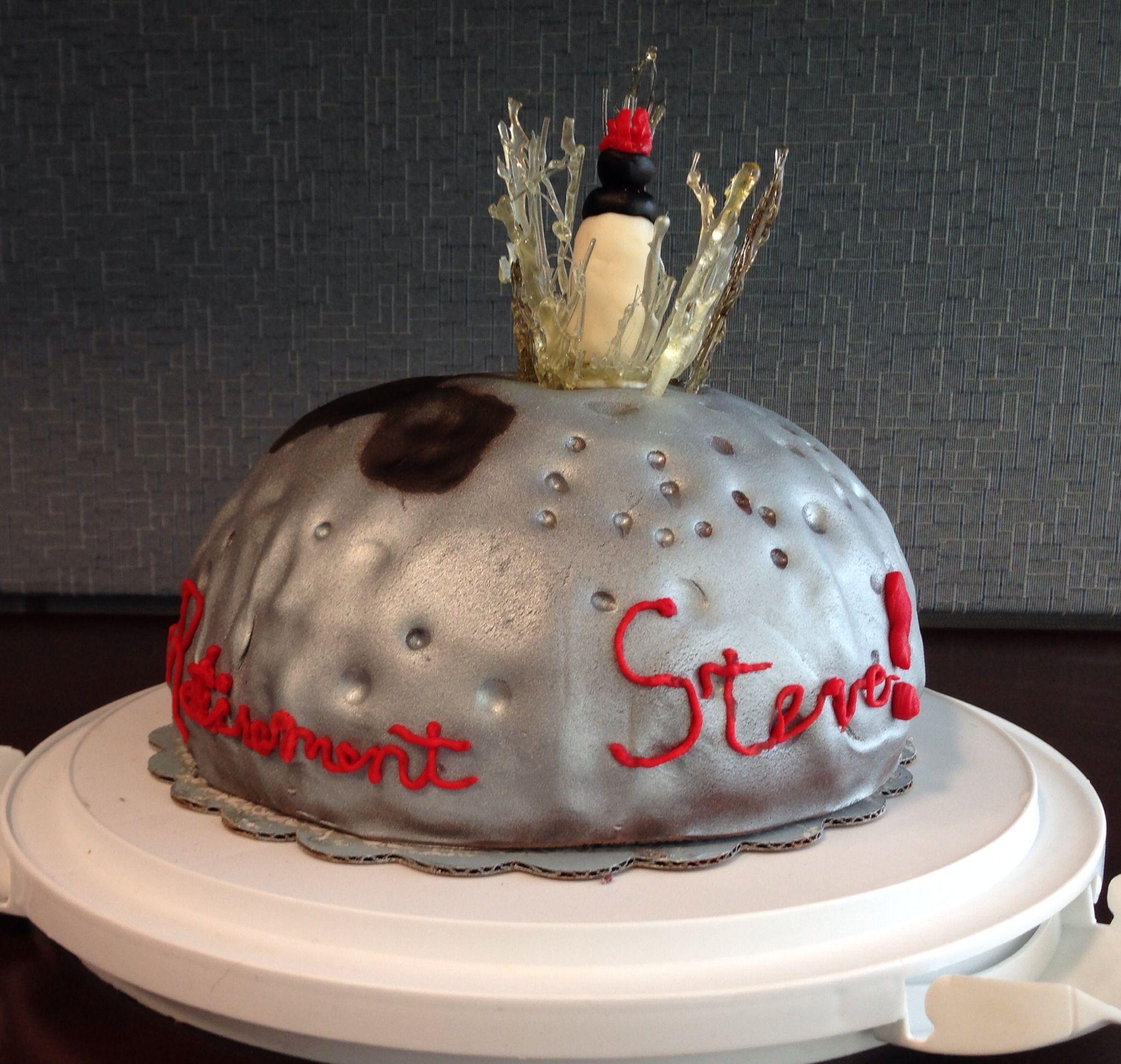 Cake depicting LRO impacting the moon to celebrate a NASA