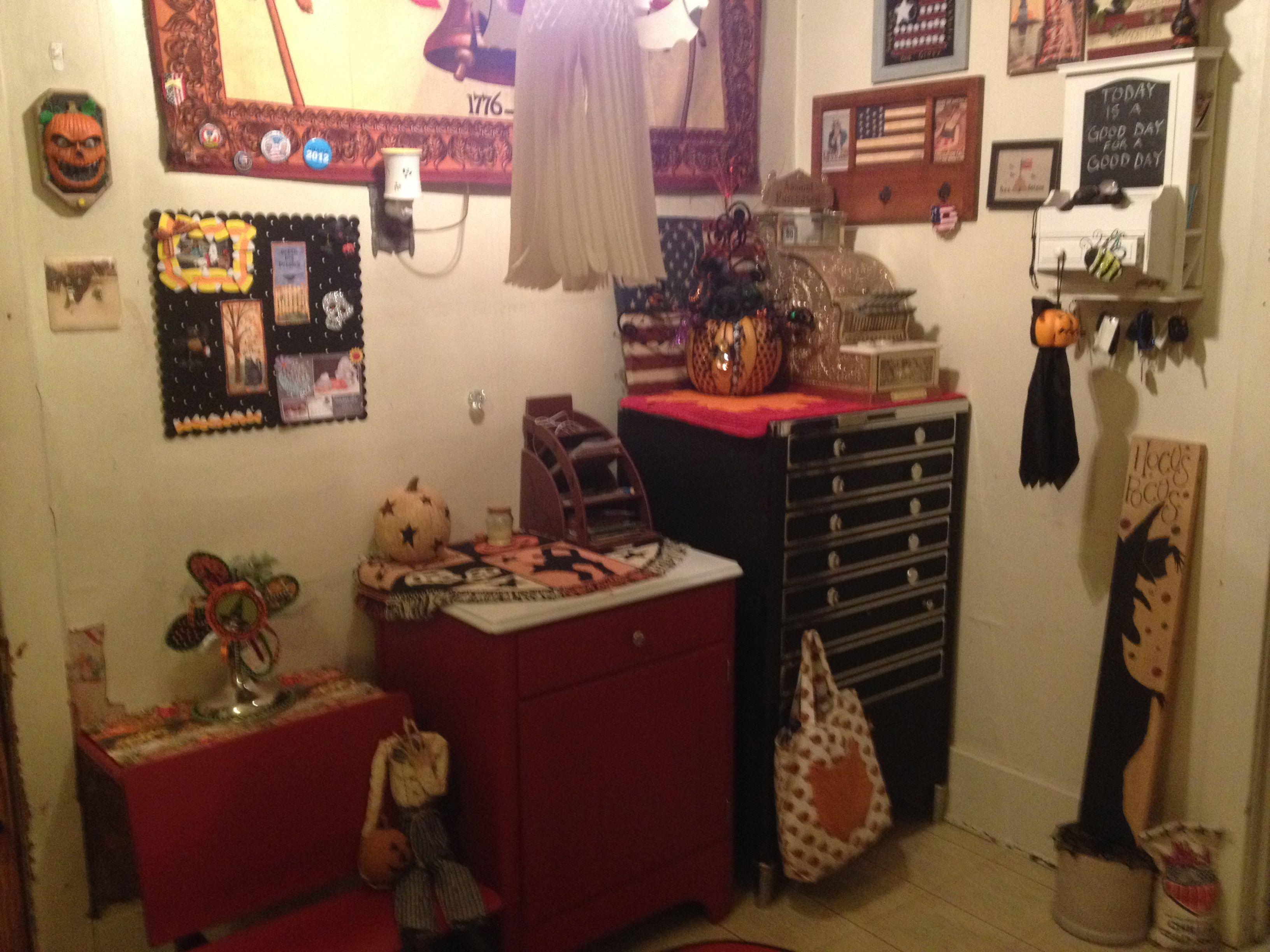 Halloween Decorations, Halloween Crafts, Halloween Art