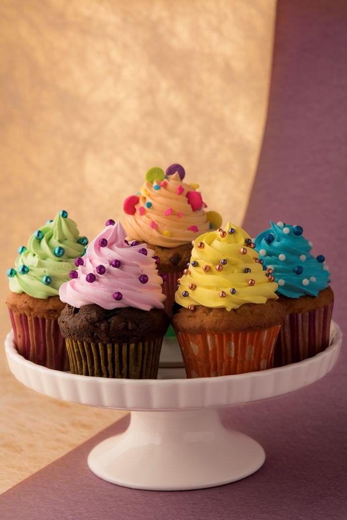 Sweets cupcakes by Madamia.