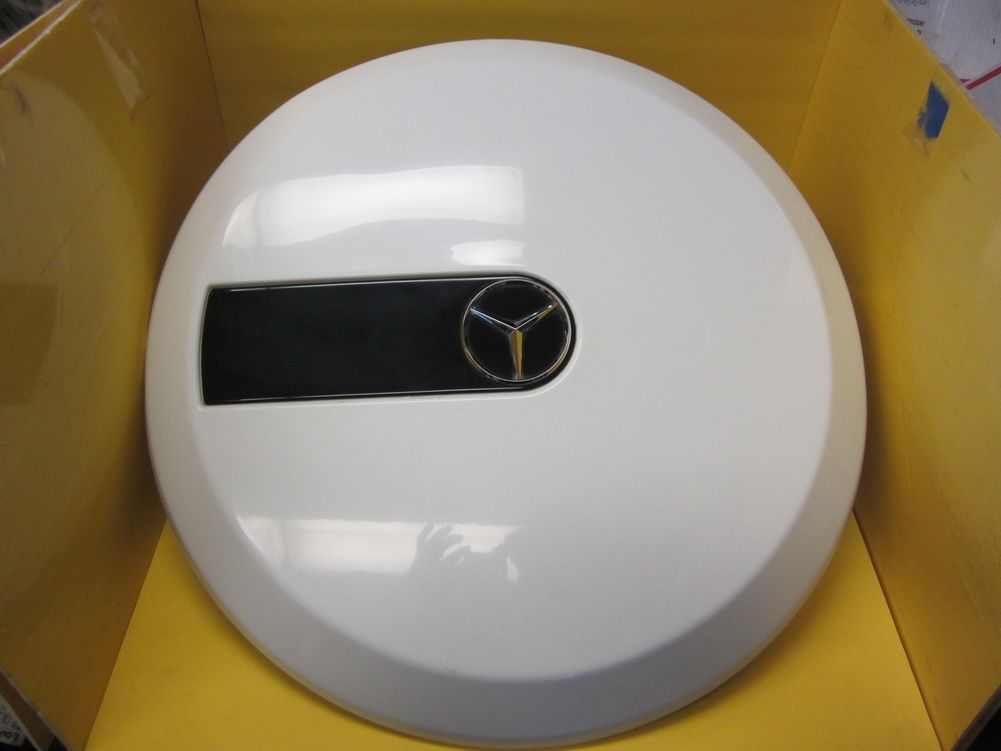 This is verynice white color Mercedes Benz G CLASS rear spare tire ...