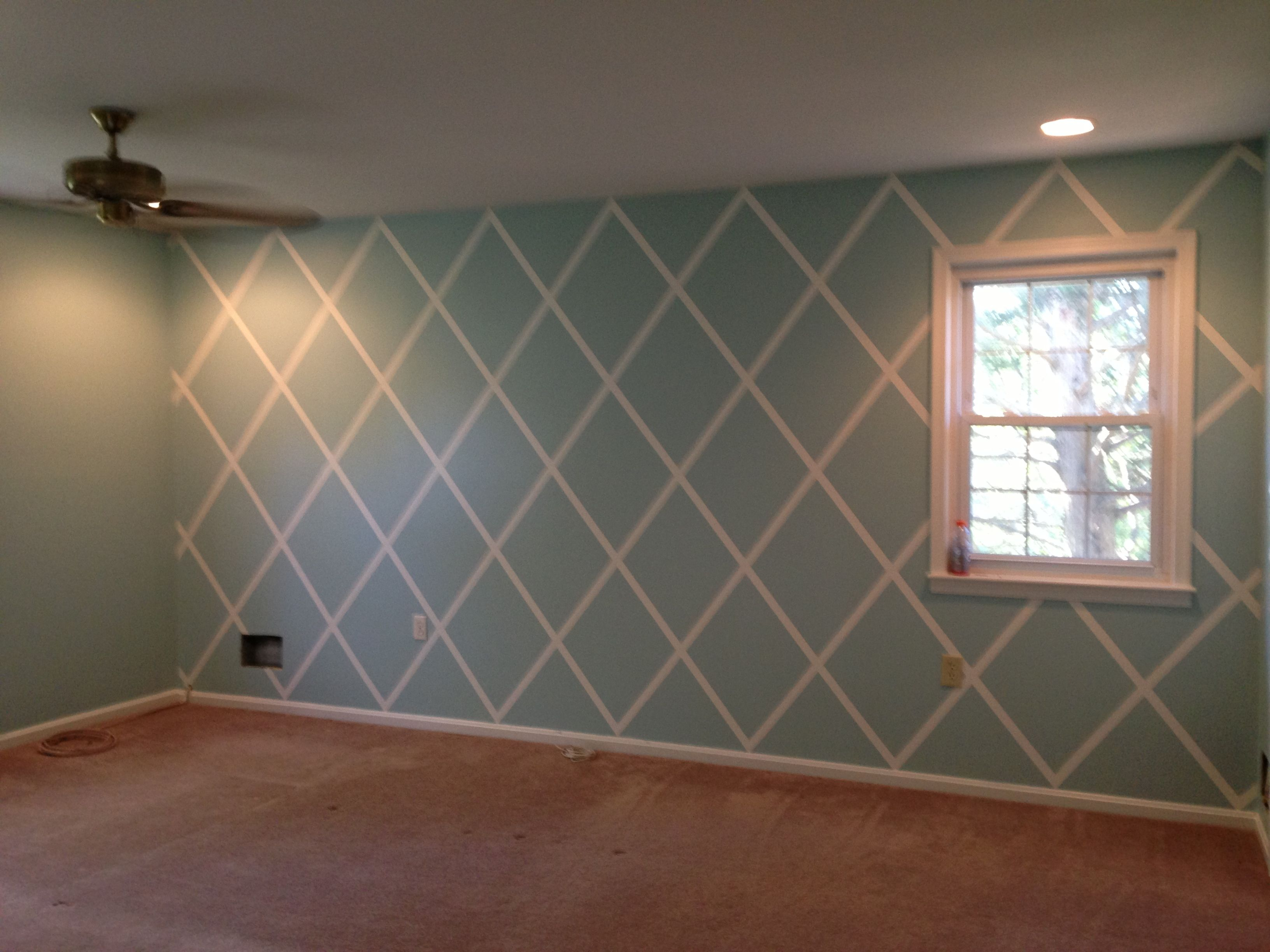 diamond pattern bedroom with sherwin williams watery and alabaster