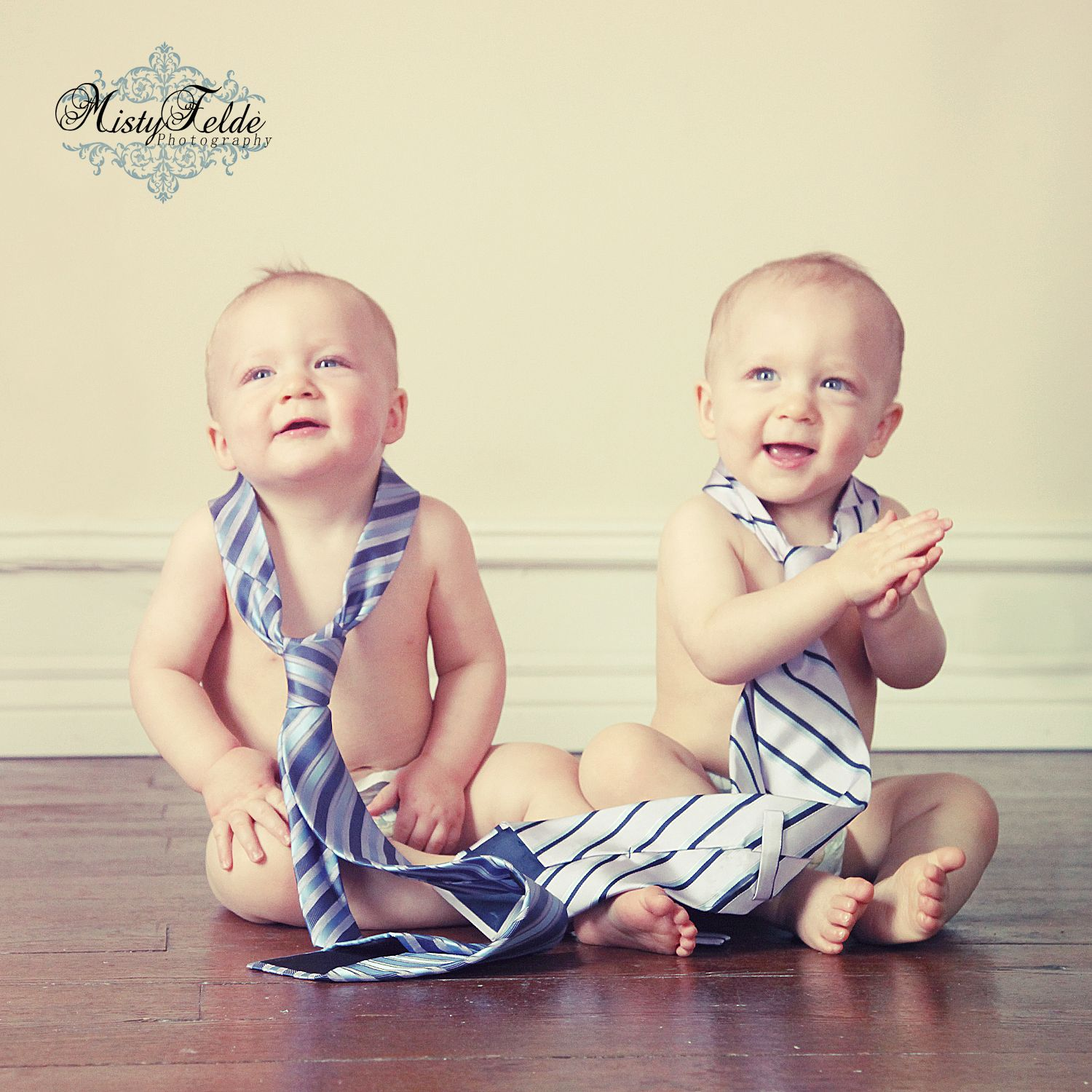 Twin Baby Boys So Cute Twin Baby Boys Twin Babies Twin Photography