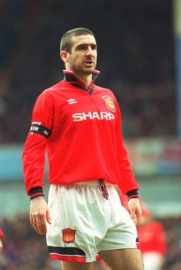 Cantona blev lagets bästa målskytt med 18. Eric Cantona | Eric cantona, Manchester united players ...