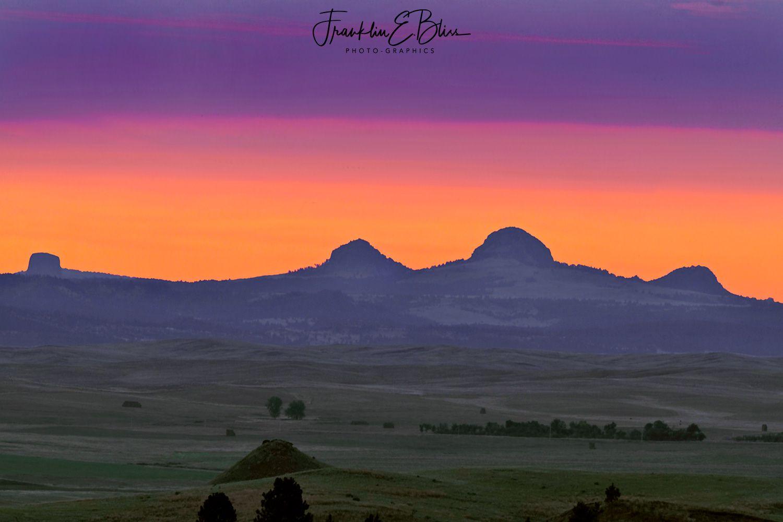Devils Tower/Missouri Butte Volcanic Complex in Twilight #dinosaurtattoos