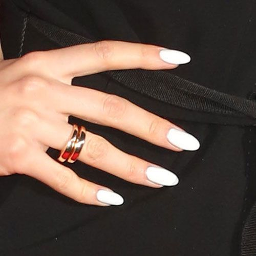 White Oval Nails Perfect For March White Oval Nails Rounded Acrylic Nails Oval Nails
