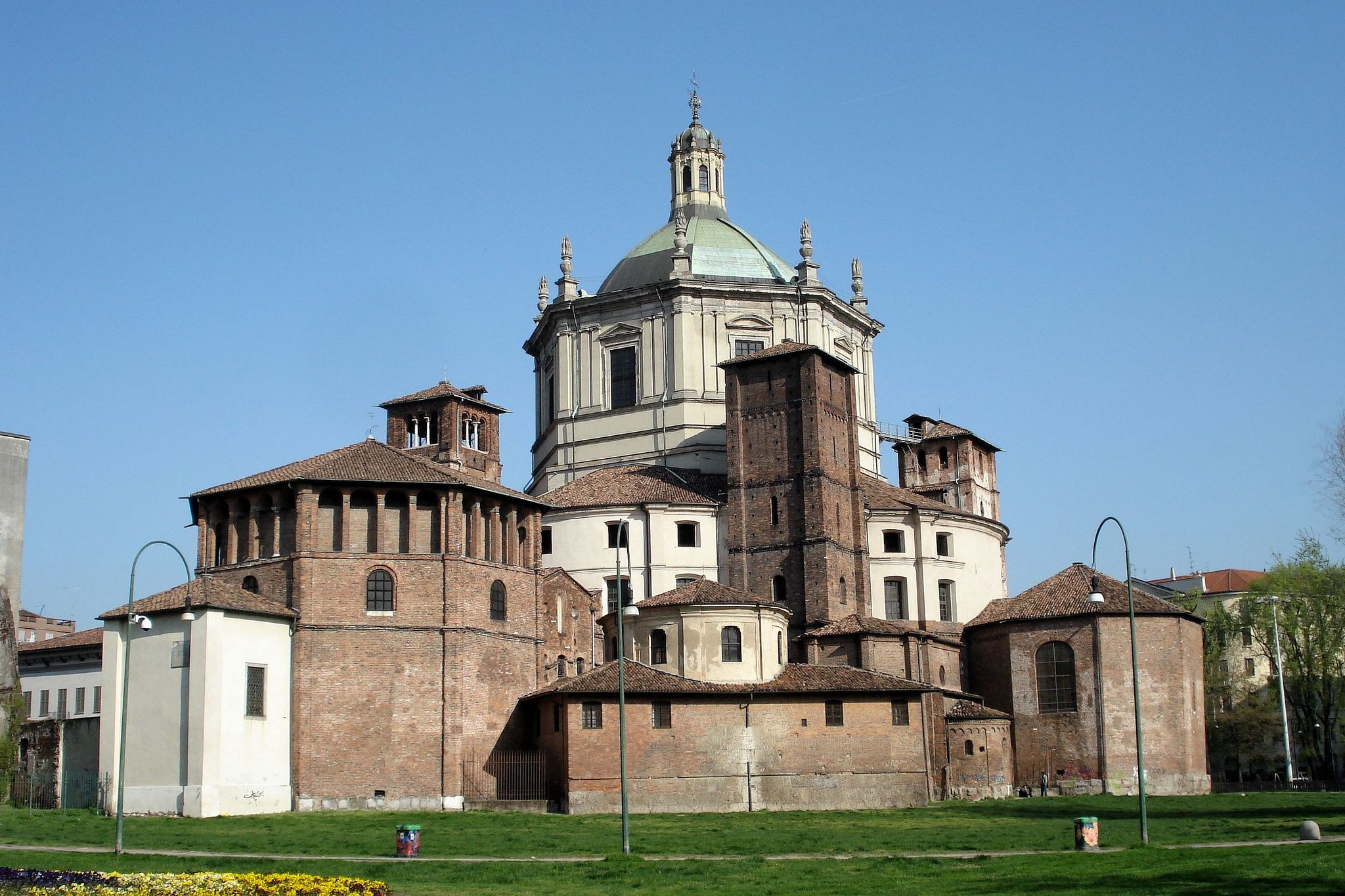EARLY CHRISTIAN ARCHITECTURE- S. Lorenzo, Milan, (probably ...