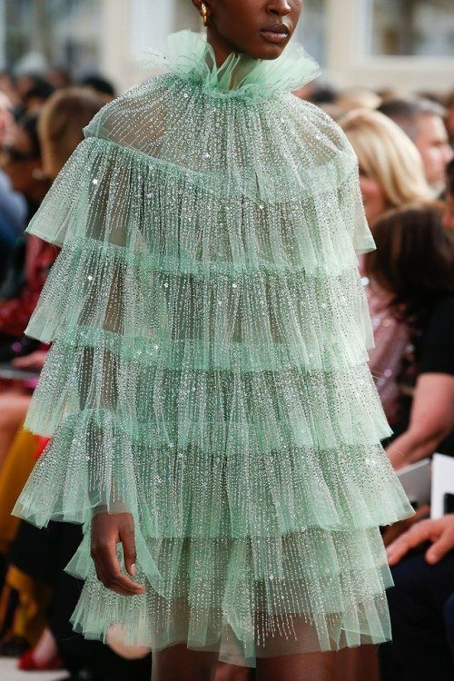 Valentino Spring 2019 #fall2019fashiontrends