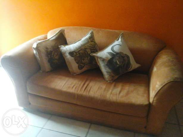Awe Inspiring Sleeping Couch Cape Town Image 1 Couches For Sale To Gmtry Best Dining Table And Chair Ideas Images Gmtryco