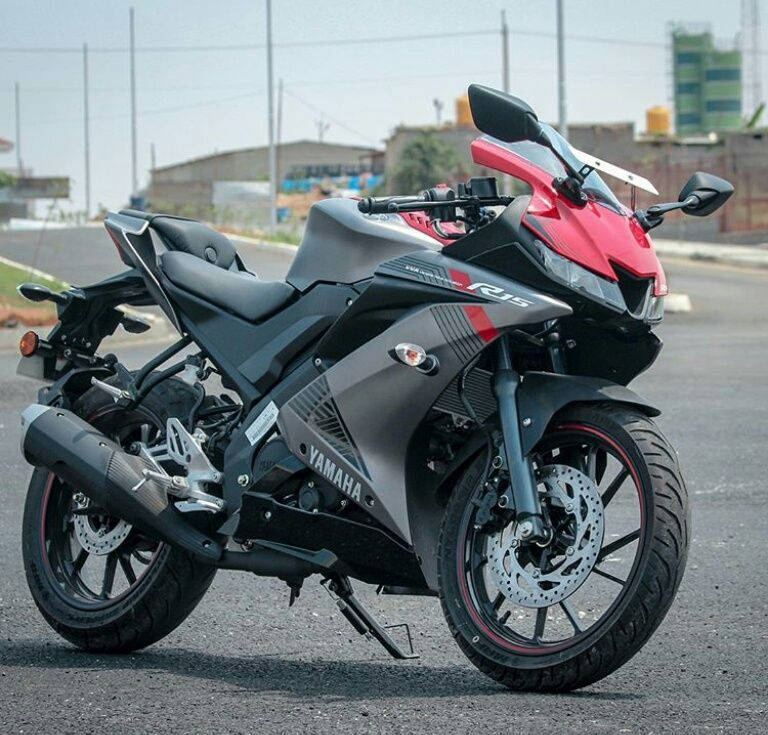 R 15 V 3 With Images Yamaha Bikes R15 Yamaha Bike Pic