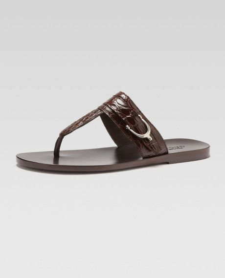 5780317e5716 gucci thong sandals