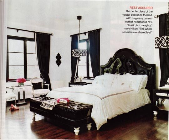 Love the black bed!