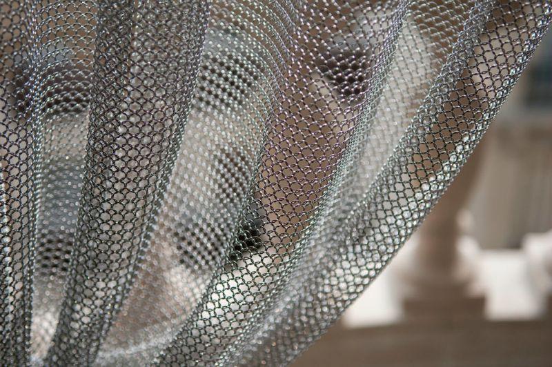 rideaux en cotte de maille ambiance industrielle. Black Bedroom Furniture Sets. Home Design Ideas