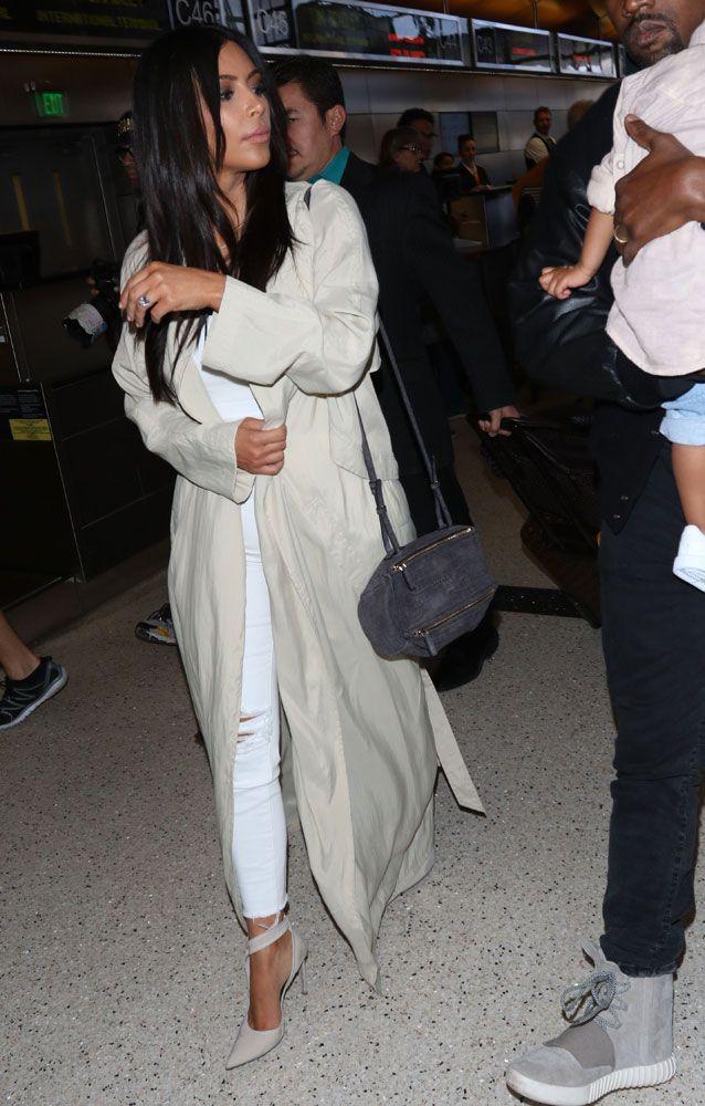 ed0e887af9 Kim-Kardashian-Givenchy-Mini-Pandora-Bag-1