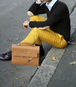 Yellow pants, dark grey sweater, light blue shirt. Got it. #men #style #fashion
