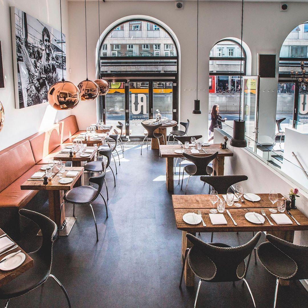 möbel aus upcycling-holz 🌳für restaurants, hotels und cafés