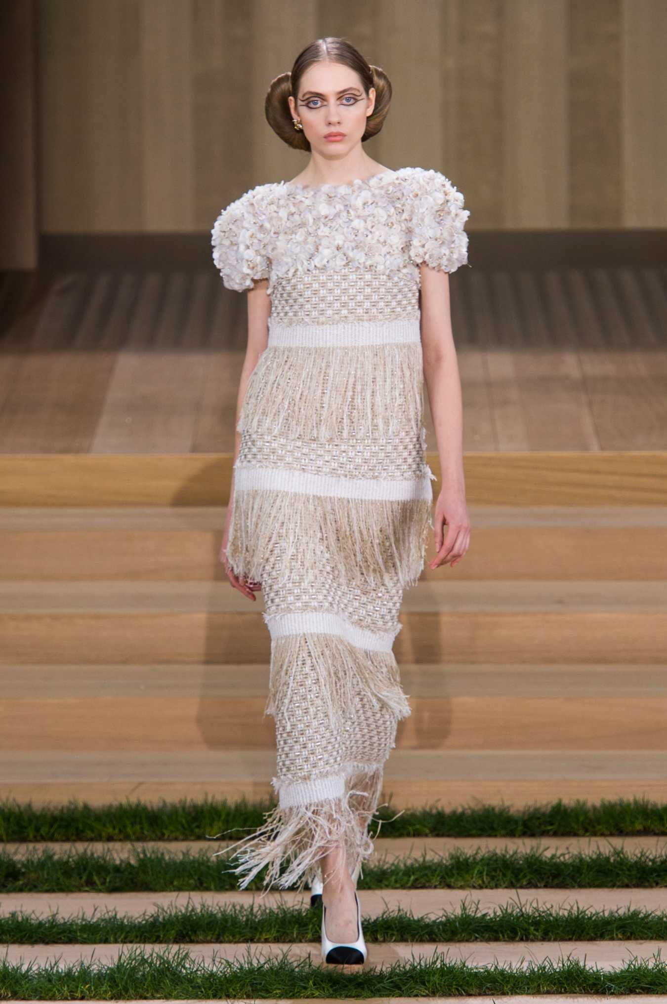 A look from the Chanel spring 2016 Haute Couture collection. Photo: Imaxtree.