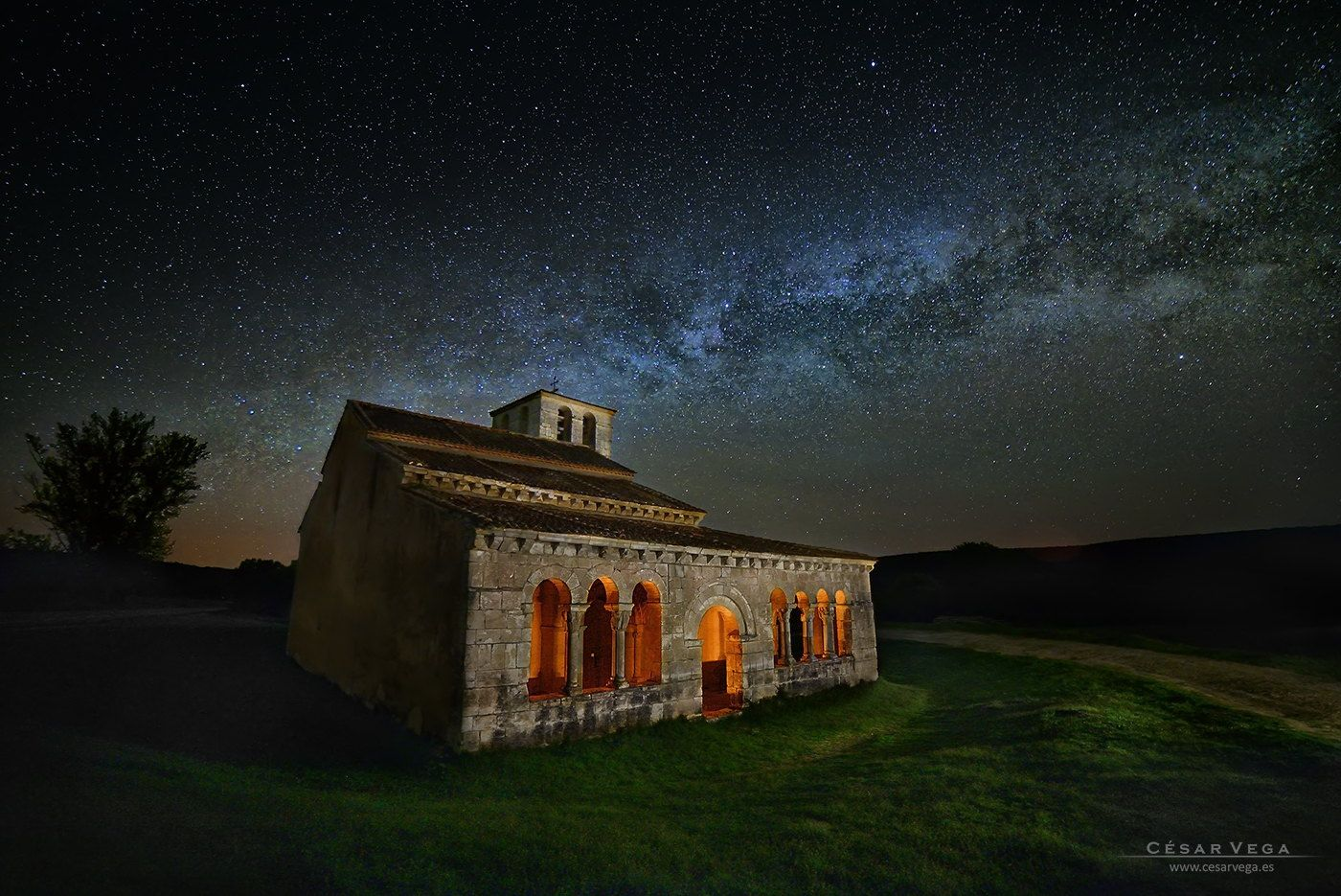 "Celestial - <A HREF=""http://www.cesarvega.es/picture.php?/1481/category/63"">Más información / More info / www.cesarvega.es</A>"