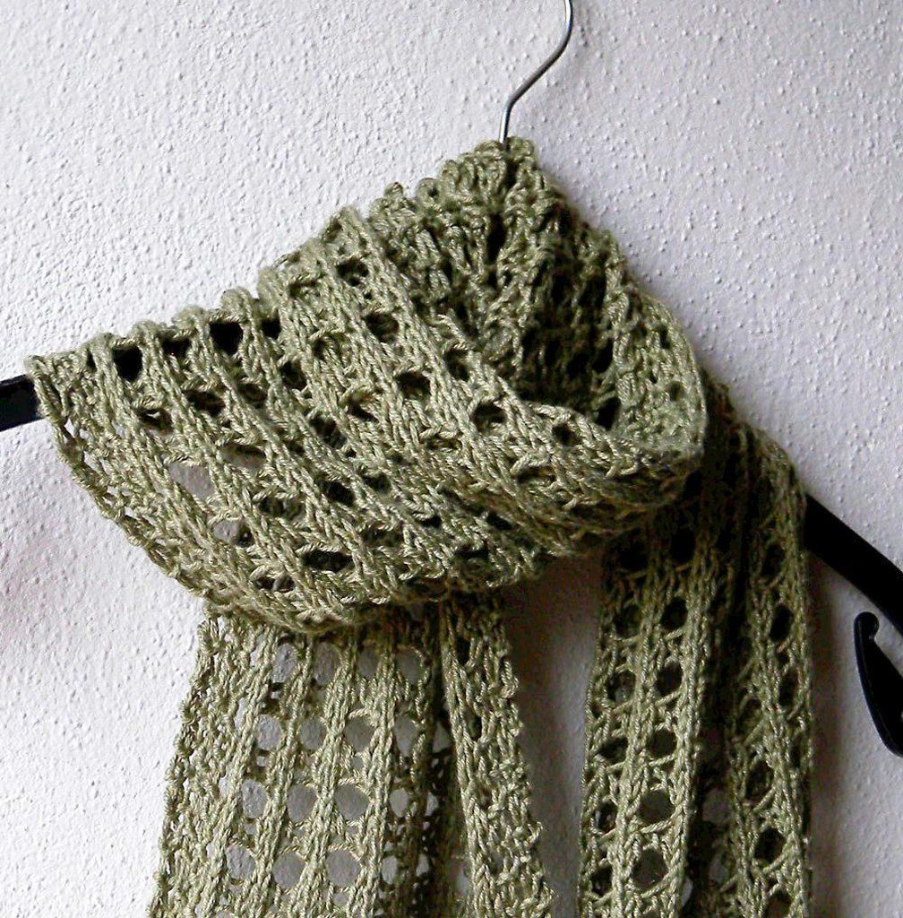 The scarf is worked in an easy to memorize eyelets pattern – more ...