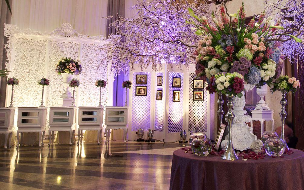 Welcoming the elegance mawarprada dekorasi pernikahan purple welcoming the elegance mawarprada dekorasi pernikahan purple centrepiece elegance junglespirit Images