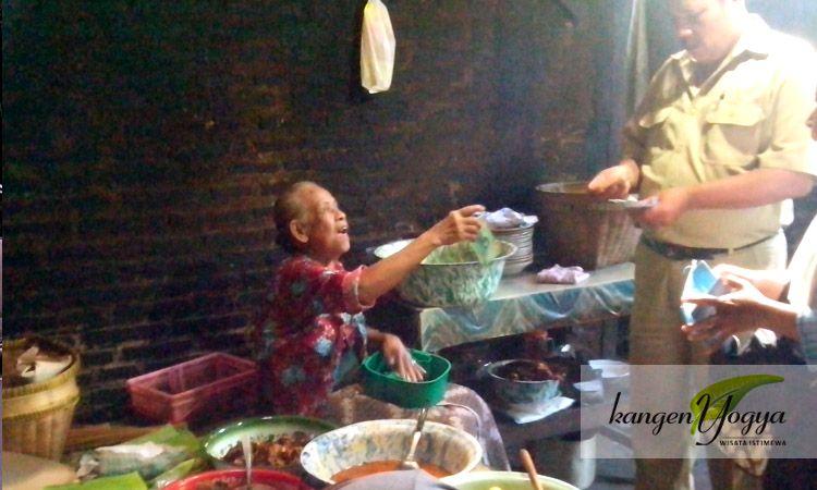 Nyusuki Mbah Marto Mangut Lele Geneng Yogyakarta Culinary Living Legend Geneng Sewon Bantul Yogyakarta Indonesia