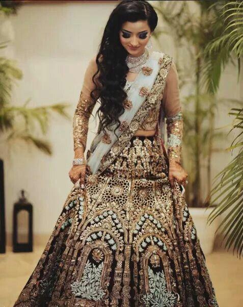 Pin de Suhaila Uckail en #wedding lehenga# | Pinterest