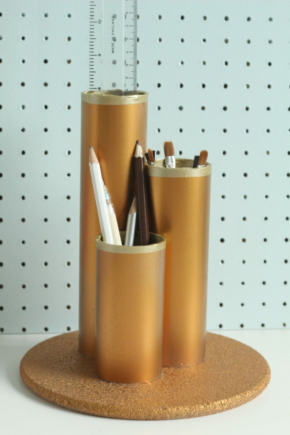 DIY-Metallic-Desk-Tidy-Claireabellemakes