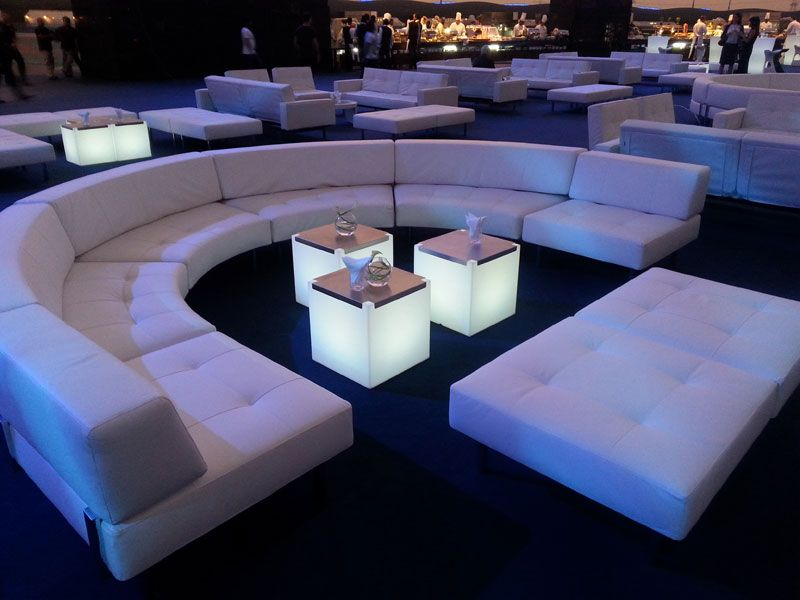 Kubo tables slide cubos led mechados led cube by cotill n ambientaciones luminicas - Discoteca ozona madrid ...