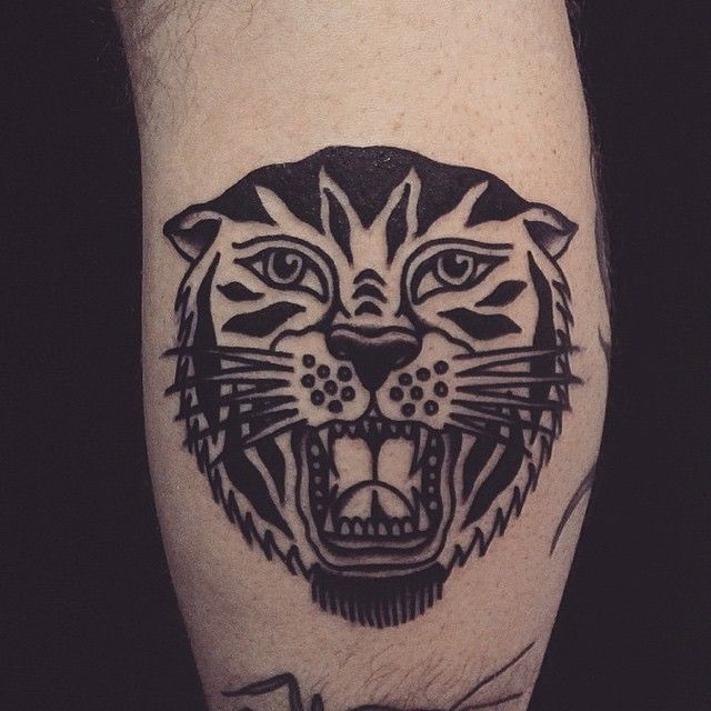Tattoo By Simontattooing Blackworkers Tattoo Bw Blackwork Blacktattoo Tattoos Mandala Hand Tattoos Traditional Tiger Tattoo
