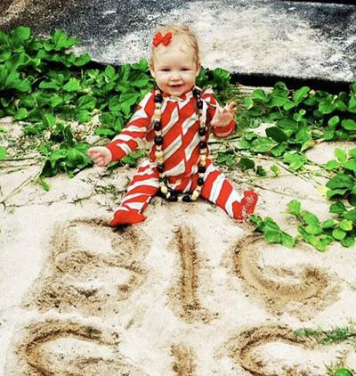 1000 images about Baby pictures – Creative Ways to Announce Baby Birth